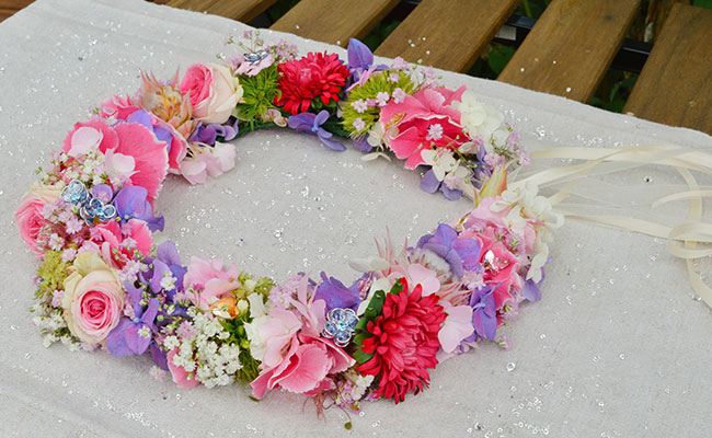 Flower Crown mit funkelnden Kristallen